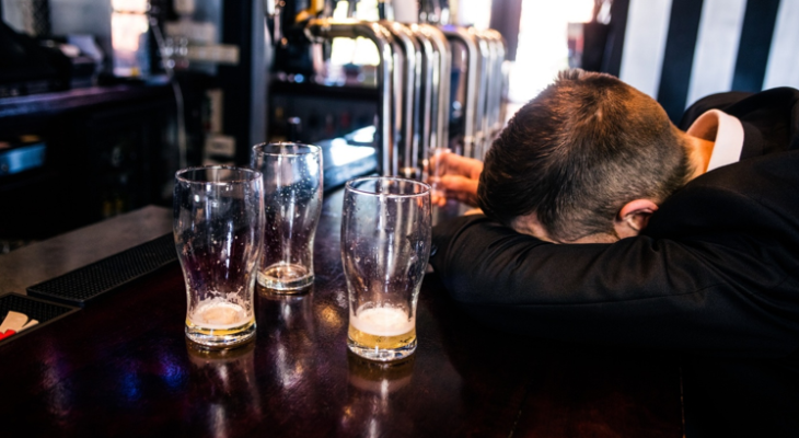 4 Signs of Alcoholism You Shouldn't Ignore