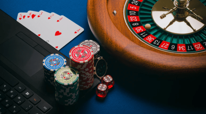 Why online gambling websites offer numerous bonuses to an individual?