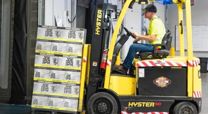 4 WAYS TO PREVENT FORKLIFT ACCIDENTS